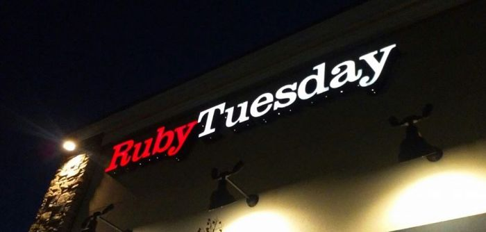 Ruby Tuesday on University Blvd has amazing…