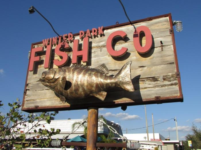 Winter Park Fish Company. Big Crowd. MediocreFood.