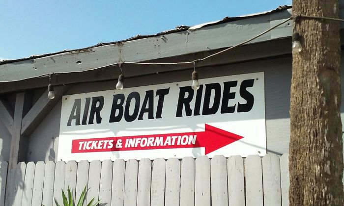 LoneCabb-airboat-rides-sign
